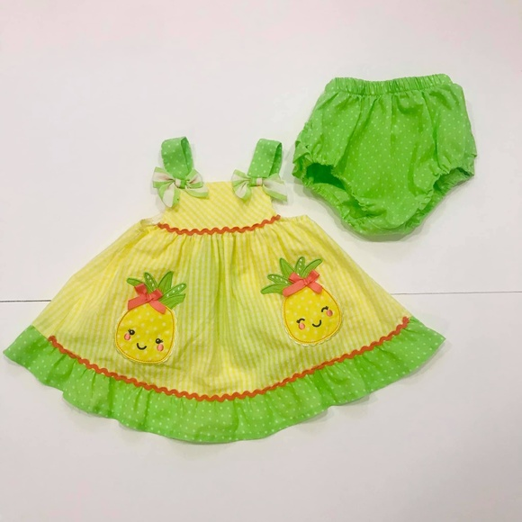 Nannette Baby 2-Piece Pineapple with Diaper Cover Set in Green